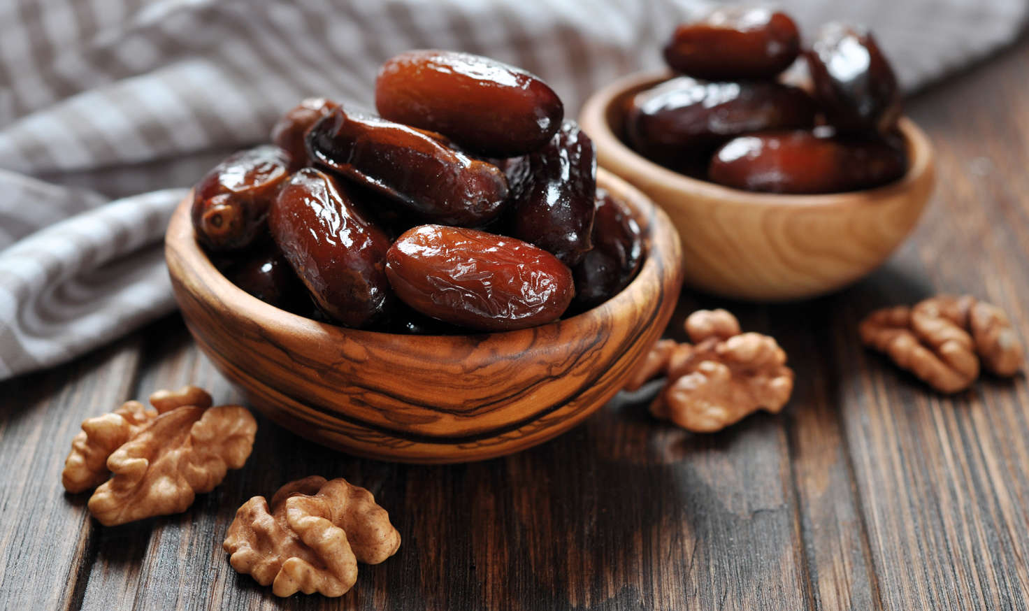 Organic Pitted Deglet Noor Dates Background Image